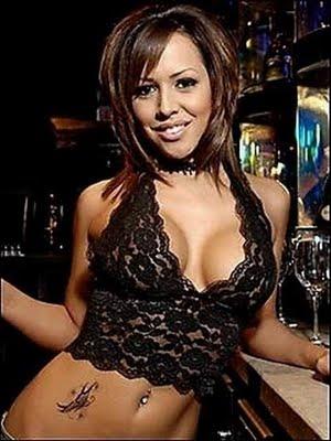 sexy-bartender-09