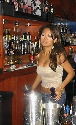 sexy-bartender-12